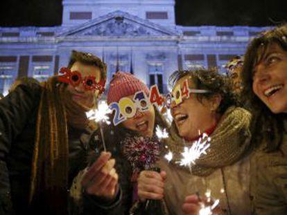 Un grupo de amigos, en las 'preuvas' de la Puerta del Sol.