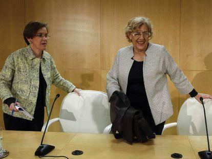 Causapié (izquierda) y Carmena, en una rueda de prensa conjunta en el Ayuntamiento de Madrid.