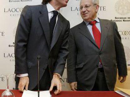 Aznar y Del Burgo, en un acto en 2008.