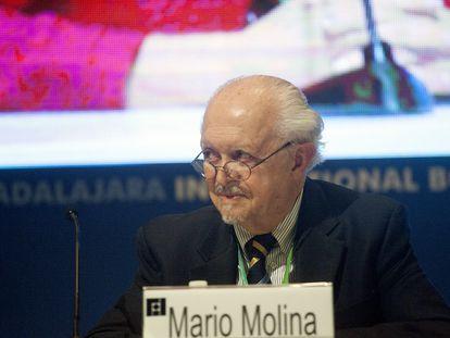 Mario Molina, en la Feria Internacional del Libro de Guadalajara, en 2015.
