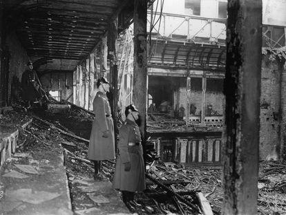 Vista del Reichstag al día siguiente de su incendio, ocurrido el del 27 de febrero de 1933.