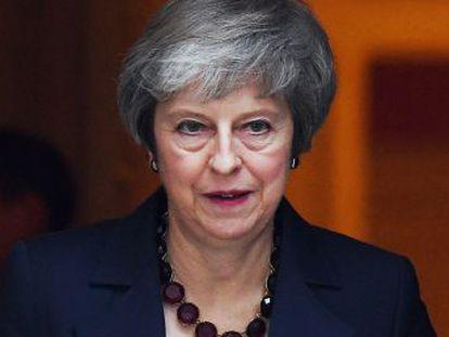 """La primera ministra presenta su borrador como el único posible y el mejor """"para defender el interés nacional"""""""