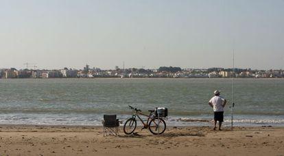Vista de Sanlúcar de Barrameda (Cádiz) desde Doñana.