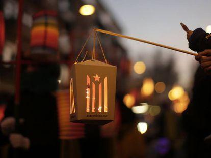 Farolillo con la 'estelada' en la Cabalgata de Reyes de Vic.