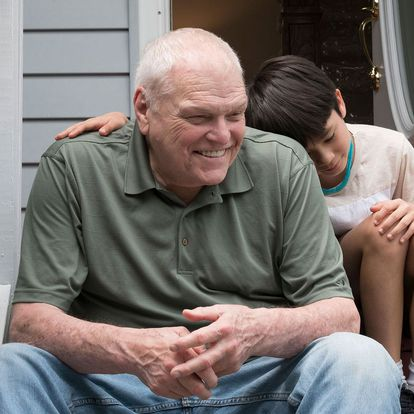 Brian Dennehy y  Lucas Jaye, en 'El verano de Cody'.