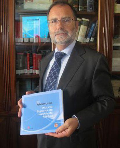 Francisco Javier Vieira sostiene la memoria del TSJM.