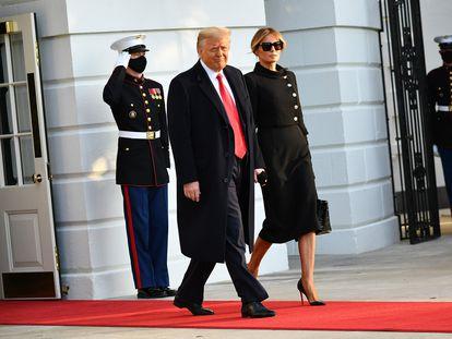 Donald Trump abandona la Casa Blanca el pasado 20 de enero junto a su esposa, Melania Trump.