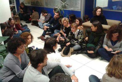 Imagen de la sentada en la redacción de los informativos de TVE
