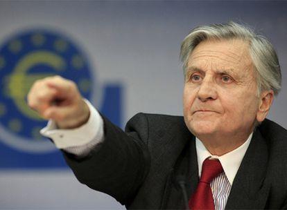 Jean-Claude Trichet, en la rueda de prensa de ayer en Fráncfort.
