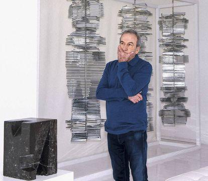 El cantante, en una sala del Museo de Arte Abstracto Español de Cuenca.