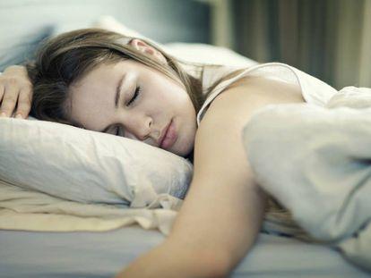 Al dormir, se reactivan redes de memorias relacionadas adquiridas durante el día.
