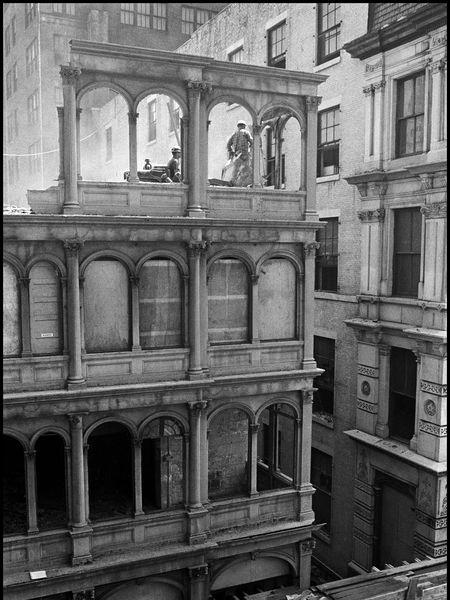 Obreros trabajando en el 82 de Beeckman Street de Manhattan, en 1967.DANNY LYON