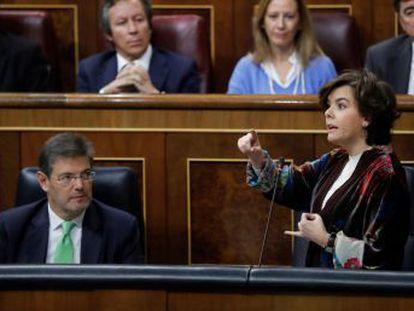 Sáenz de Santamaría asegura que el Ejecutivo  hará lo posible por crear buen clima  tras el 21-D