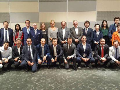 La delegación aragonesa, tras el encuentro con sus anfitriones chinos en Shanghái a principios de noviembre.