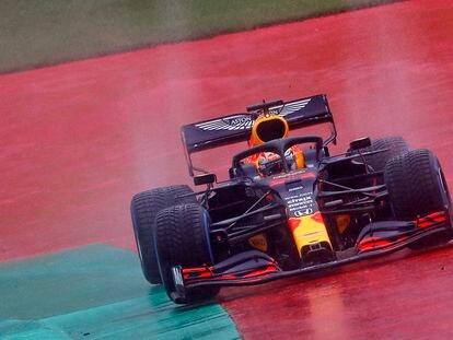 El piloto de Red Bull Max Verstappen, durante la clasificación del Gran Premio de Estiria de F1 2020.