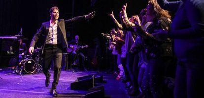 Bisbal canta para los lectores de EL PAÍS en los Teatros Luchana.