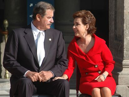 Vicente Fox, expresidente de México, y Marta Sahagún de Fox, durante un acto.