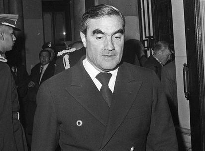 Foto de archivo del ex almirante argentino Emilio Eduardo Massera