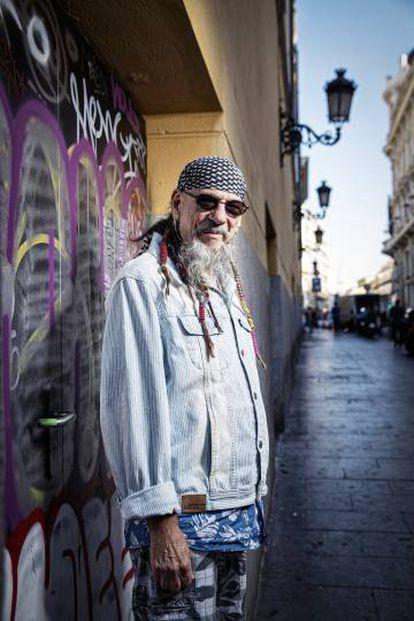 El músico Enrique Villarreal, 'El Drogas', en el centro de Madrid.