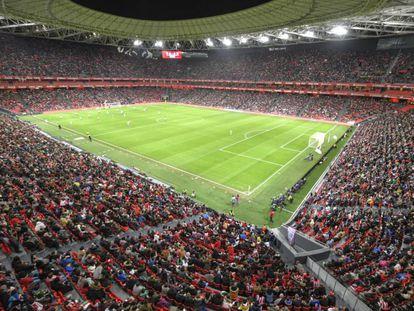 San Mamés, lleno para ver el partido de fútbol femenino entre Athletic y Atlético.