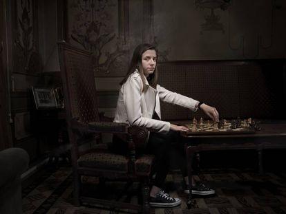 María Eizaguerri, en el Casino de Huesca, durante un reportaje para EL PAÍS Semanal, en abril de 2019