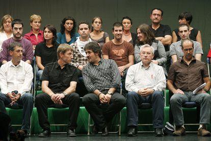 Dirigentes <i>abertzales</i> en la reunión de la declaración de Gernika del pasado 25 de septiembre.
