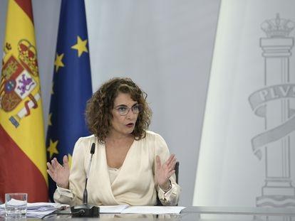 La ministra de Hacienda y Función Pública, Maria Jesús Montero, tras el Consejo de Ministros extraordinario.