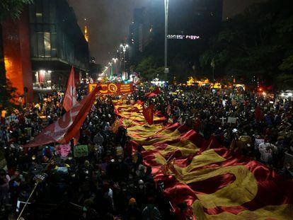 Manifestación contra el presidente de Brasil, Jai Bolsonaro, en la avenida Paulista de  São Paulo, este sábado.