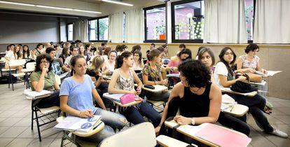 Alumnos en el Campus UB en Barcelona.