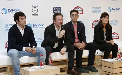 Borja Lafuente, François-Xavier Lacroix, Pablo Sánchez e Irene de la Torre en la presentación del certificado 'B Corp' para Lanjarón y Font Vella.
