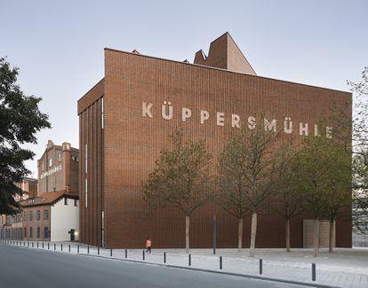 Nueva fachada del Museo Küppersmühle de Duisburg diseñada por Herzog&de Meuron.