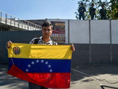Partidarios de Guaidó acuden a los cuarteles para explicar a los militares la propuesta de la oposición de conceder una amnistía