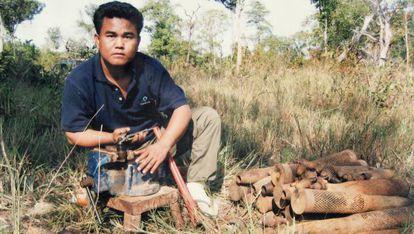 Aki Ra ha dedicado su vida a eliminar las minas que le obligaron a plantar como niño soldado en Camboya.