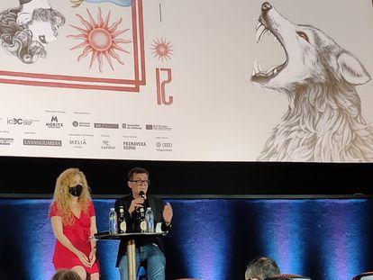 Mònica Garcia, directora de la Fundació Sitges, y Ángel Sala, director del festival, este jueves en los cines Verdi.
