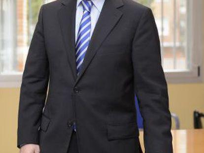 Iñaki Vicuña, en Vitoria tras la entrevista.