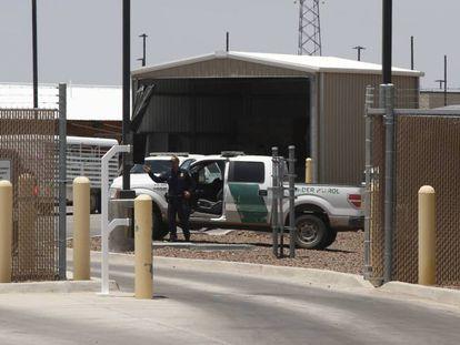 Centro de la Patrulla Fronteriza en Clint, Texas. En vídeo, HRW denuncia las condiciones del centro.
