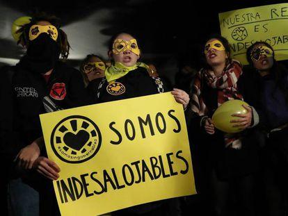 Concentracion de protesta por el desalojo de La Ingobernable, en Madrid.
