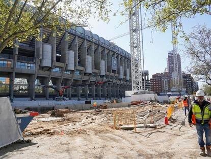 Obras en el estadio Santiago Bernabéu este miércoles.