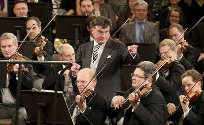 Christian Thielemann dirige a la Filarmónica de Viena durante un ensayo para el Concierto de Año Nuevo, el 30 de diciembre.