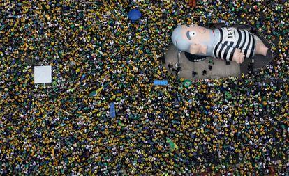 Manifestantes en la avenida Paulista de Sao Paulo el domingo pasado.
