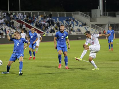 Pablo Fornals, en la acción del primer gol de España.