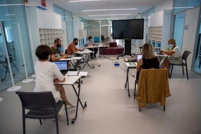 Reunión de profesores en un colegio de San Sebastián para preparar el nuevo curso.