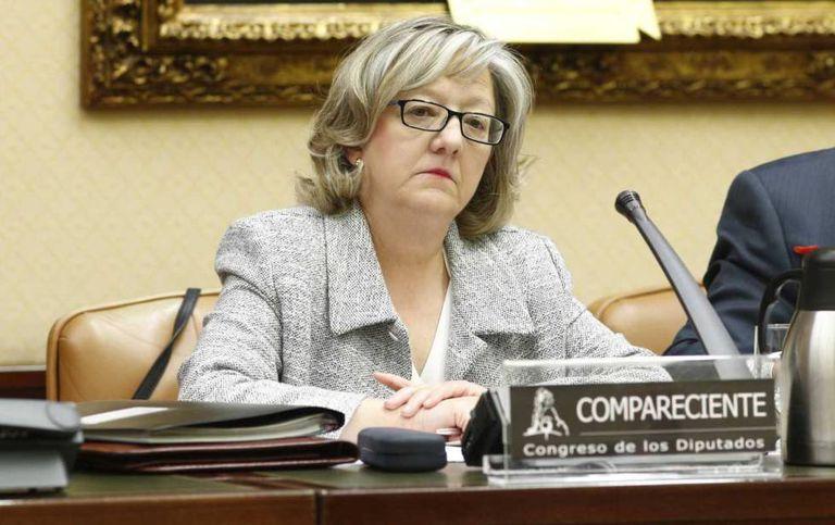 La directora de la Oficina de Conflictos de Intereses, Flor López Laguna,  durante una comparecencia en el Congreso.