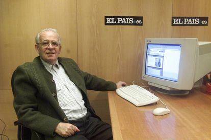 Luis Ruiz de Gopegui, durante una entrevista digital con los lectores de 'El País' en 2001.