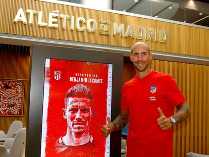 Benjamin Lecomte en su presentación con el Atlético de Madrid este jueves.