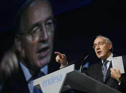 Manuel Pizarro se dirige a los accionistas de Endesa durante la junta extraordinaria del pasado 26 de septiembre.