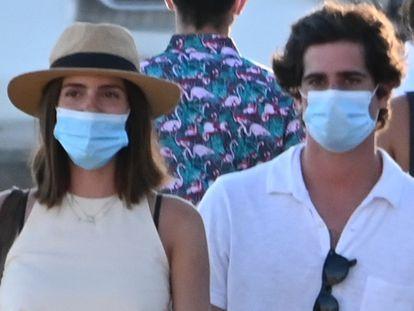 Sofía Palazuelo y Fernando Fitz-James Stuart, en Marbella en agosto de 2020.