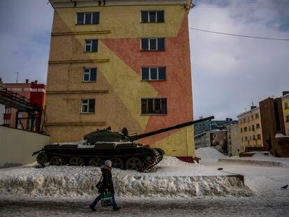 Un tanque en el puerto ártico de Dudinka, en marzo de 2019.