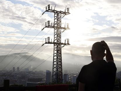 Una torreta eléctrica en Bilbao.