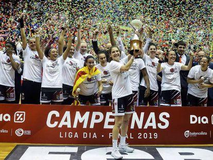 Las jugadoras del Girona celebran la Liga